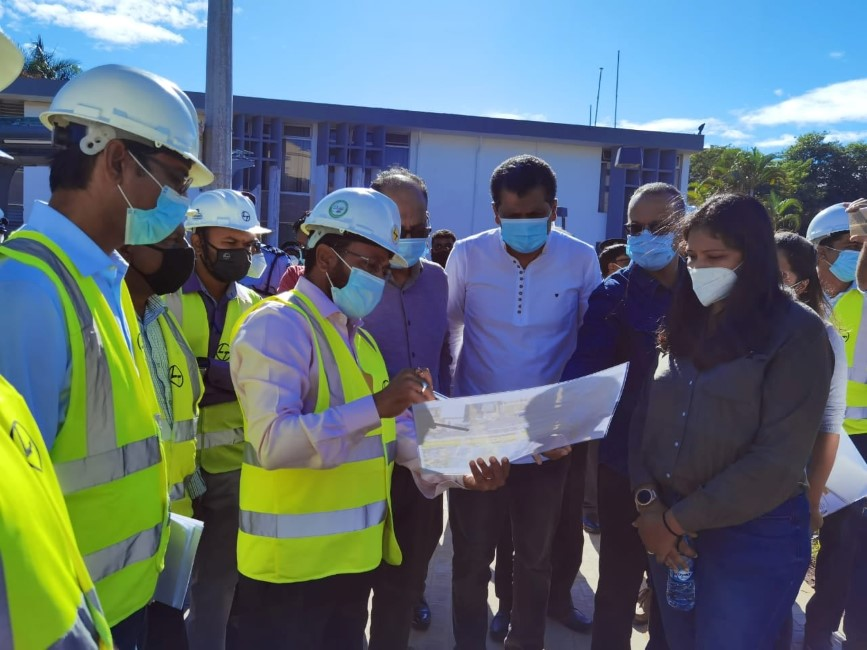 Ganoo, Diolle, Ramano font le service après-vente du Metro Express