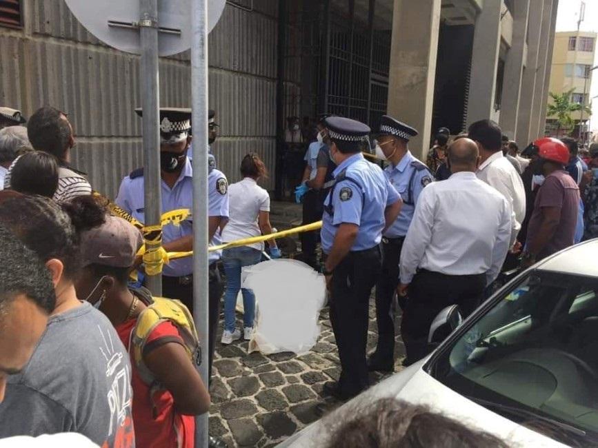 Le corps d'une employée du ministère de la Santé retrouvé sur l'asphalte à Port-Louis