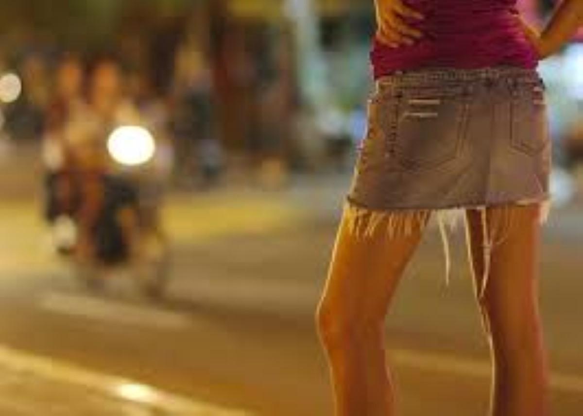 Prostituées et proxénète jouent aux caïds à Petite-Rivière