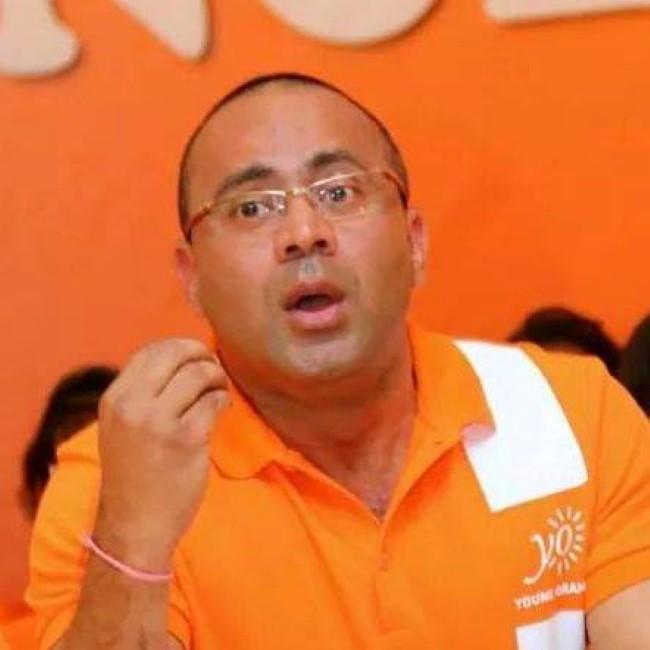 Le ministre des Infrastructures publiques Bobby Hurreeram aux Casernes centrales