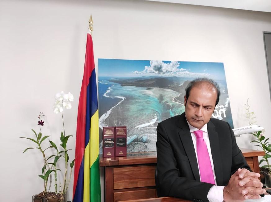 [Opinion] Le ministre Obeegadoo et son talent (variable) en anglais