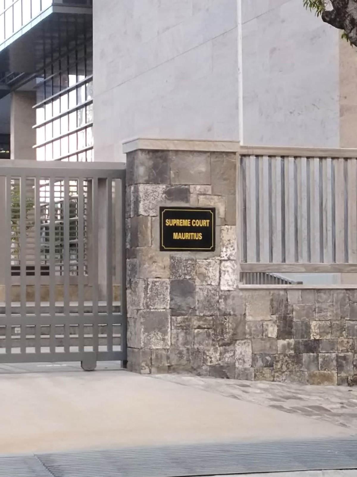 Cour suprême : Le portable de Wendy Rangan volé