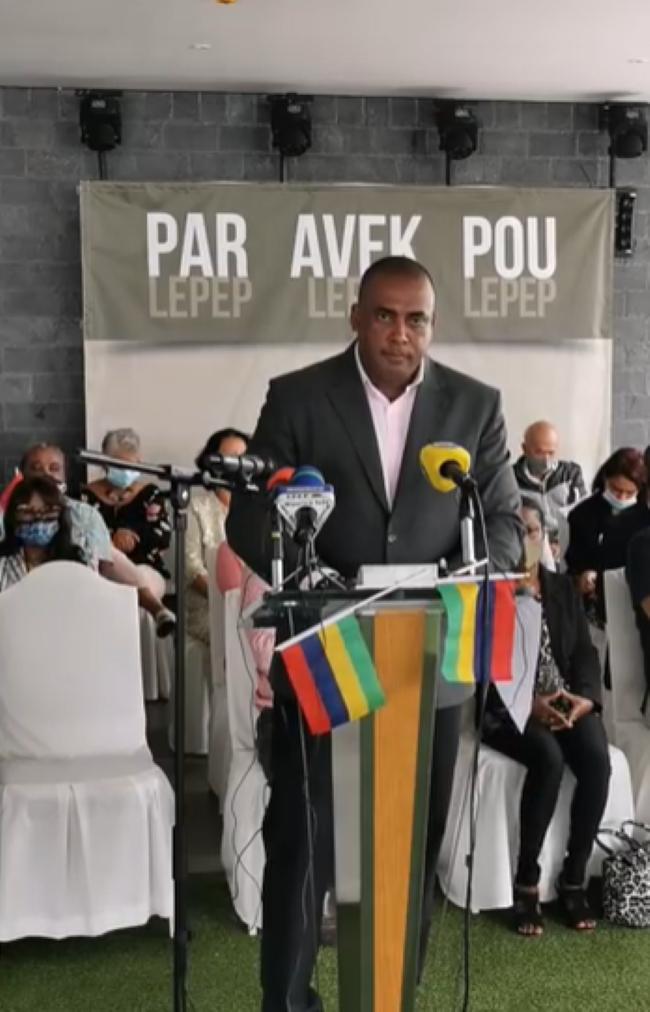 [Vidéo] Bruneau Laurette fait son entrée dans l'arène politique