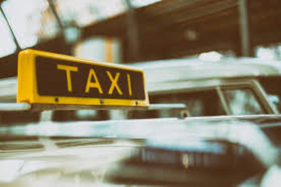 L'allocation spéciale de Rs 10 000 au profit des opérateurs de taxi de l'aéroport est «discriminatoire» selon Yashpal Murrakhun