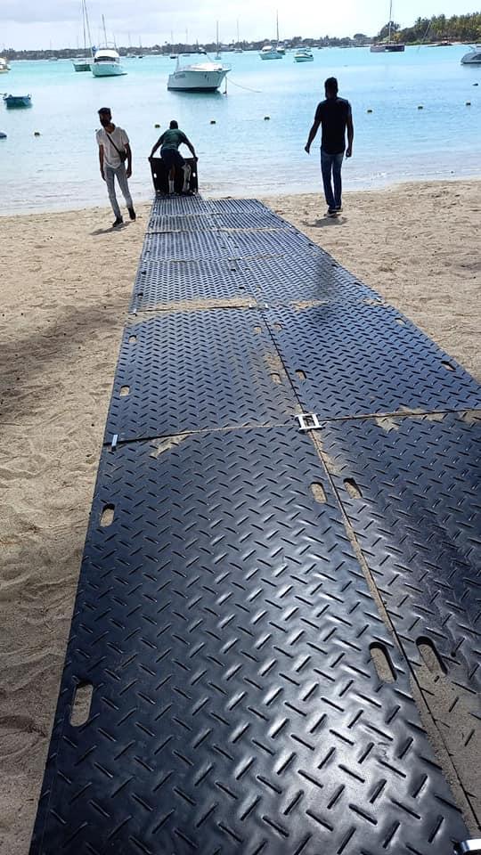 Accessibilité des plages aux personnes en situation de handicap devient bientôt une réalité