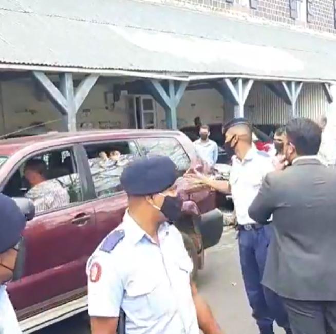 Rallye contre la hausse des prix : L'activiste Ivann Bibi arrêté et accusé provisoirement de vagabondage