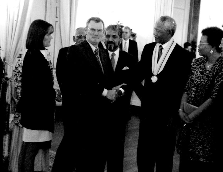 Jacques Chasteau de Balyon, Cassam Uteem, Nelson Mandela