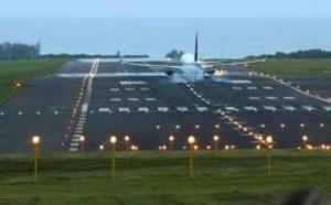 Alerte cylonique : Menace de fermeture de l'aéroport de Plaisance, plusieurs vols reprogrammés