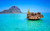[Vidéo] Mauseo Seo Mauritius : Crystal rock, natural beauty on the west coast.