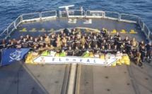 Une frégate française a saisi 7,4 tonnes de haschich dans l'Océan Indien