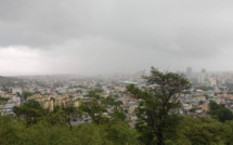 Pluies torentielles : La National Emergency Operations Command demande au public de suivre les consignes