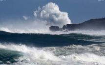 [Météo] Mer forte au-delà des récifs avec des houles du Sud-Ouest
