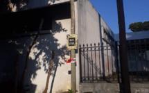 """Un """"Bistop"""" fantôme devant le District Court de Rose-Hill"""