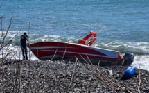 """L'équipage du """"Sea Hero"""", hors-bord mauricien échoué à St Benoit, reste introuvable"""