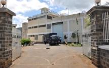 Prison Grande Rivière Nord Ouest : Un téléphone dans les parties intimes