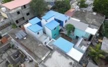 Dans la cité EDC à Rivière Noire, 5 maisons reconstruites grâce à des dons et le projet d'une jeune étudiante en architecture