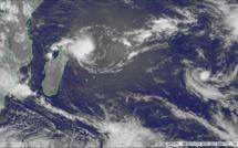 Activité cyclonique : Une 3e tempête pourrait entrer dans le bassin en fin de semaine prochaine