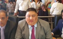 Ken Fong fait le grand écart politique