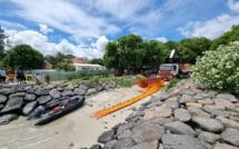 Naufrage d'un navire chinois à Pointes-aux-Sables : la priorité au pompage de l'huile à bord