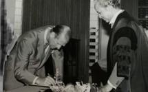 Mars 1972 à la Municipalité de Port Louis: le Prince Phillip et Somdath Bhuckory