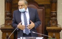 Les trois B contestent leur suspension du Parlement