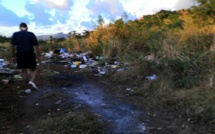 En images, un dépôt d'ordures à ciel ouvert à Coromandel